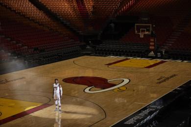 X162527 TK1: NBA Basketball:  Portrait of Miami Heat #3 Dwyane Wade