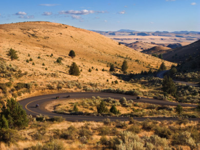 Motorcycle touring in Oregon