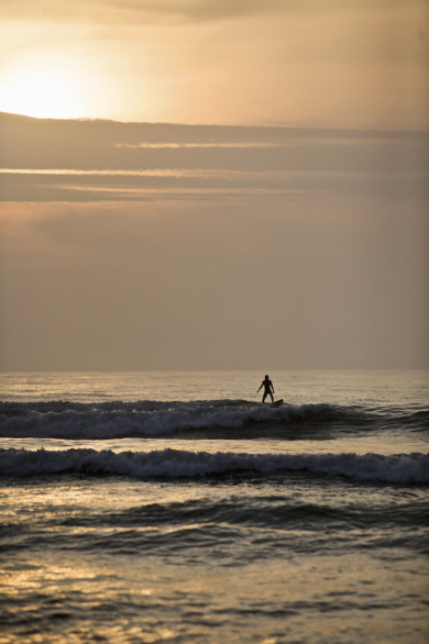 Silhouette of surfer at sunset - Huanchaco, Trujullo, Perú