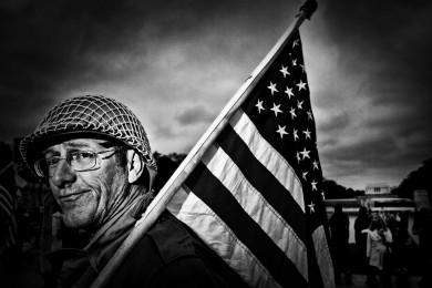 million vet protest at the WW2 memorial