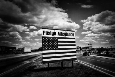 pledge allegiance sign by newark airport in newark nj 7-14-09